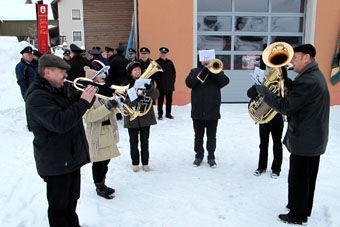 Umrahmt wurde die Gedenkfeier von der Blaskapelle Träger aus Störnstein, die vorher am Dorfplatz ein Standkonzert gab